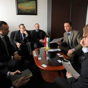 Amerikai elismerés a magyar EU-elnökségnek a távközlés területén