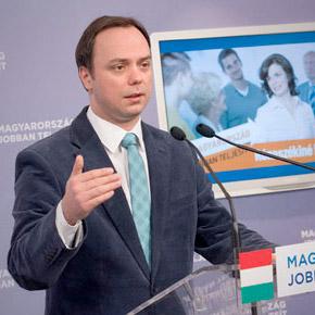 100 ezer önkéntes segíti a Fideszt