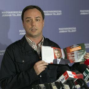 Célegyenesben a Fidesz EP-kampánya