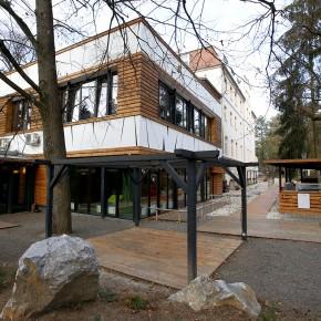 A világ legszebb erdei szállodája Noszvajon