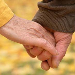 A kormány gondoskodik az idősekről