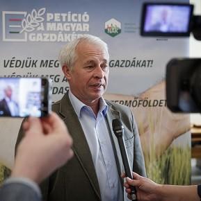 Megvédjük a magyar földet és a gazdákat!
