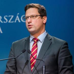 Az AOSZ vezetői Gulyás Gergely miniszterrel egyeztettek