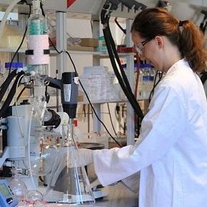 Stratégiai együttműködés a gyógyszergyártókkal